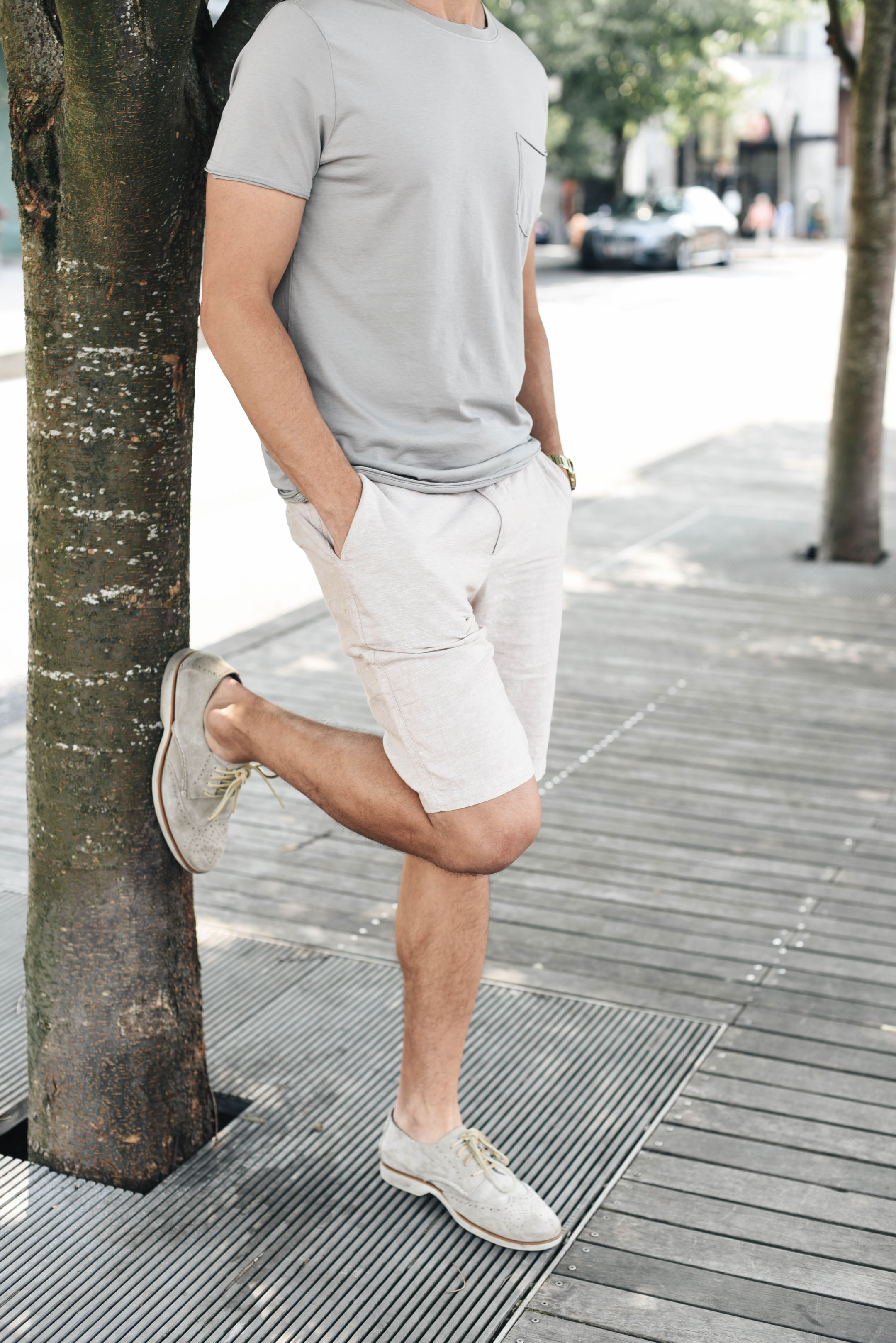 How to style men's linen shorts