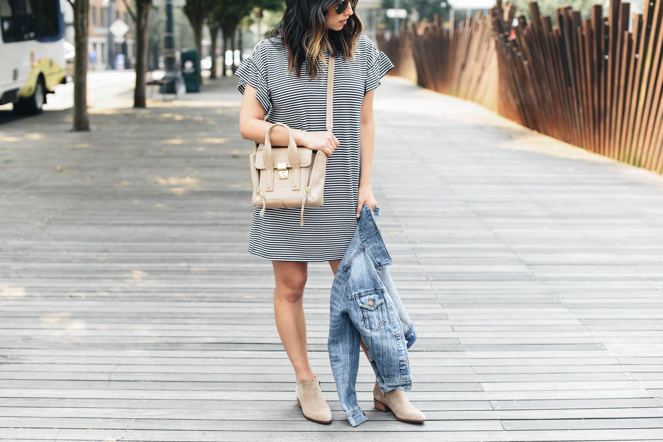 Abercrombie & Fitch stripe ruffle sleeve dress