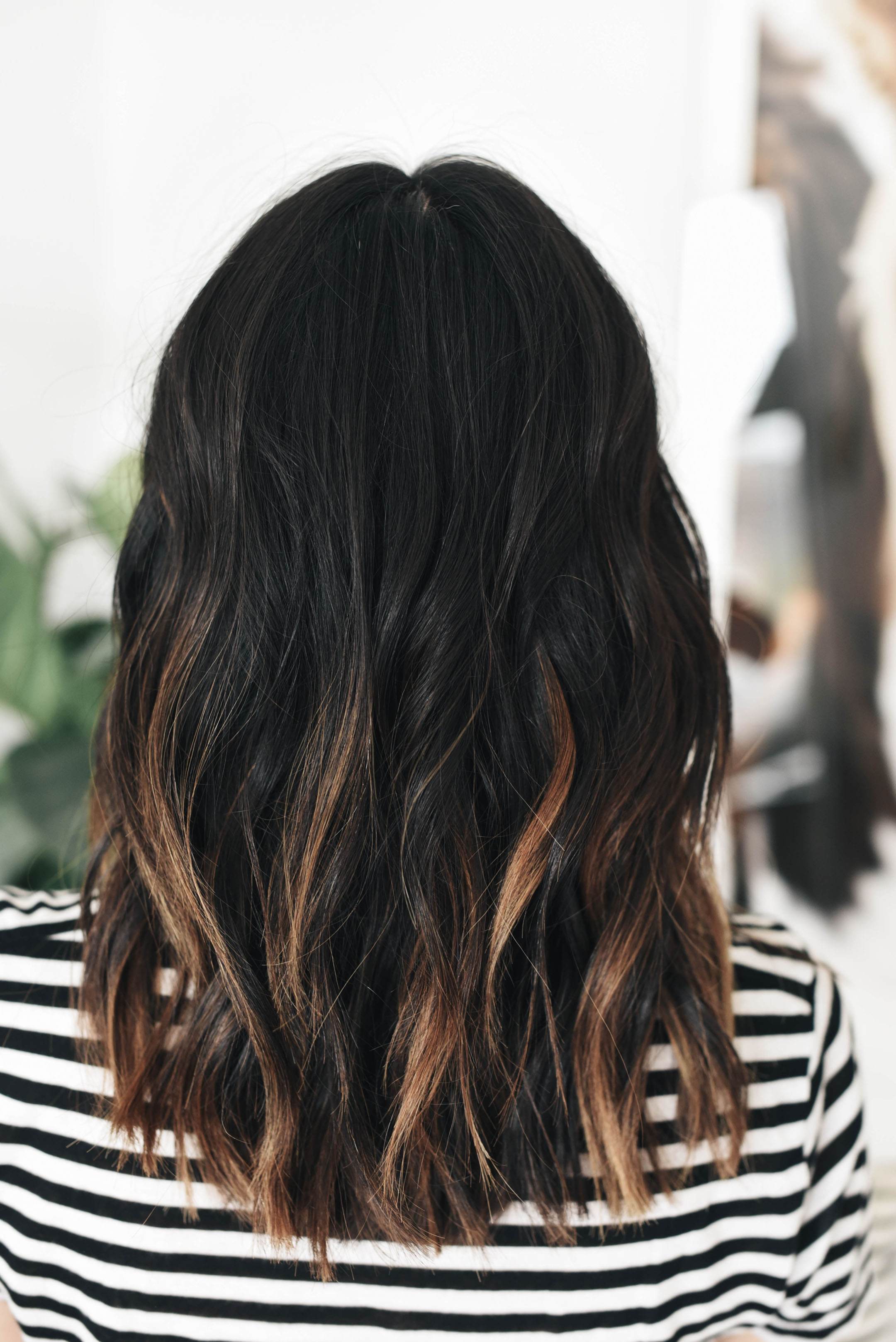 Soft balayage with messy waves