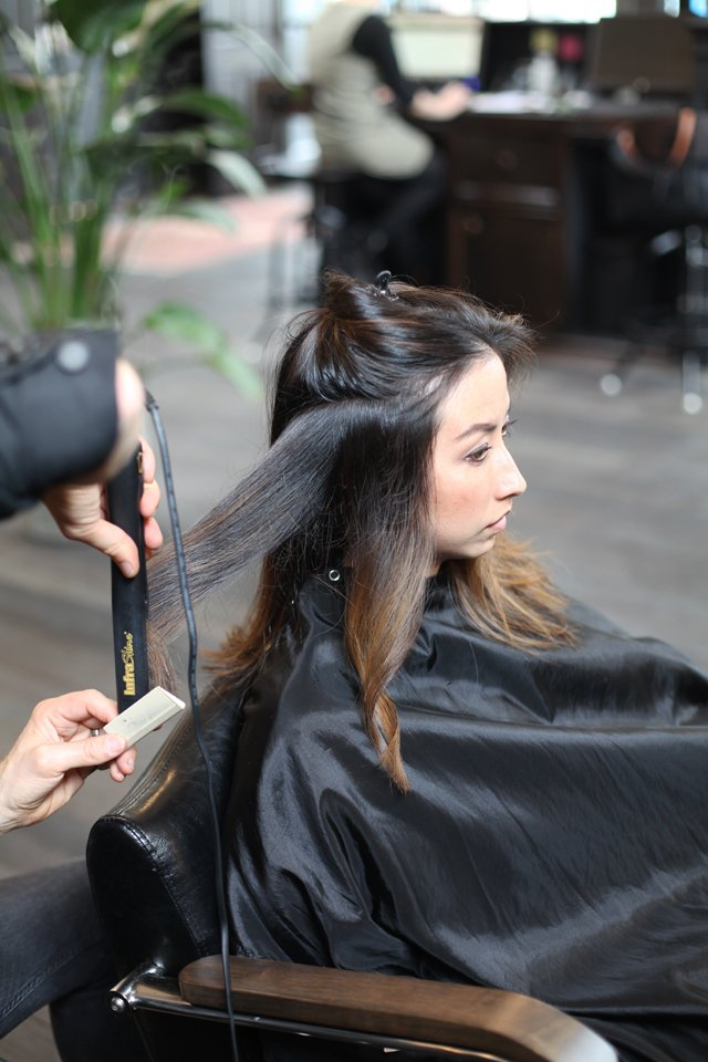 How to create waves with a flat iron
