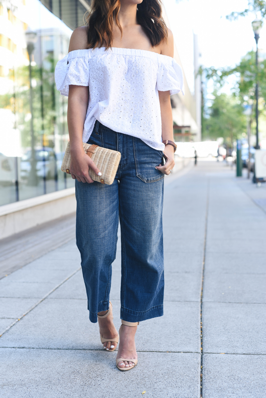 Crystalin Marie wearing Abercrombie & Fitch cropped stovepipe jeans