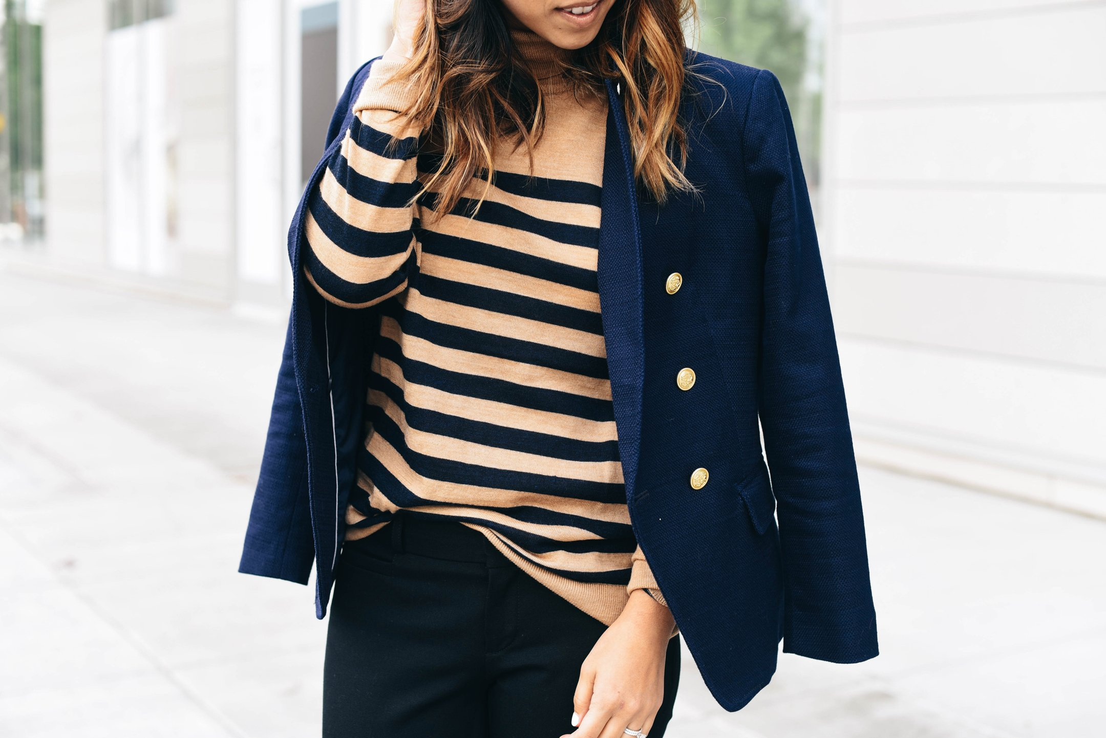 banana-republic-navy-blazer