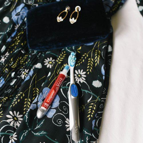 ccolgate-optic-white-toothbrush-whitening-pen-6