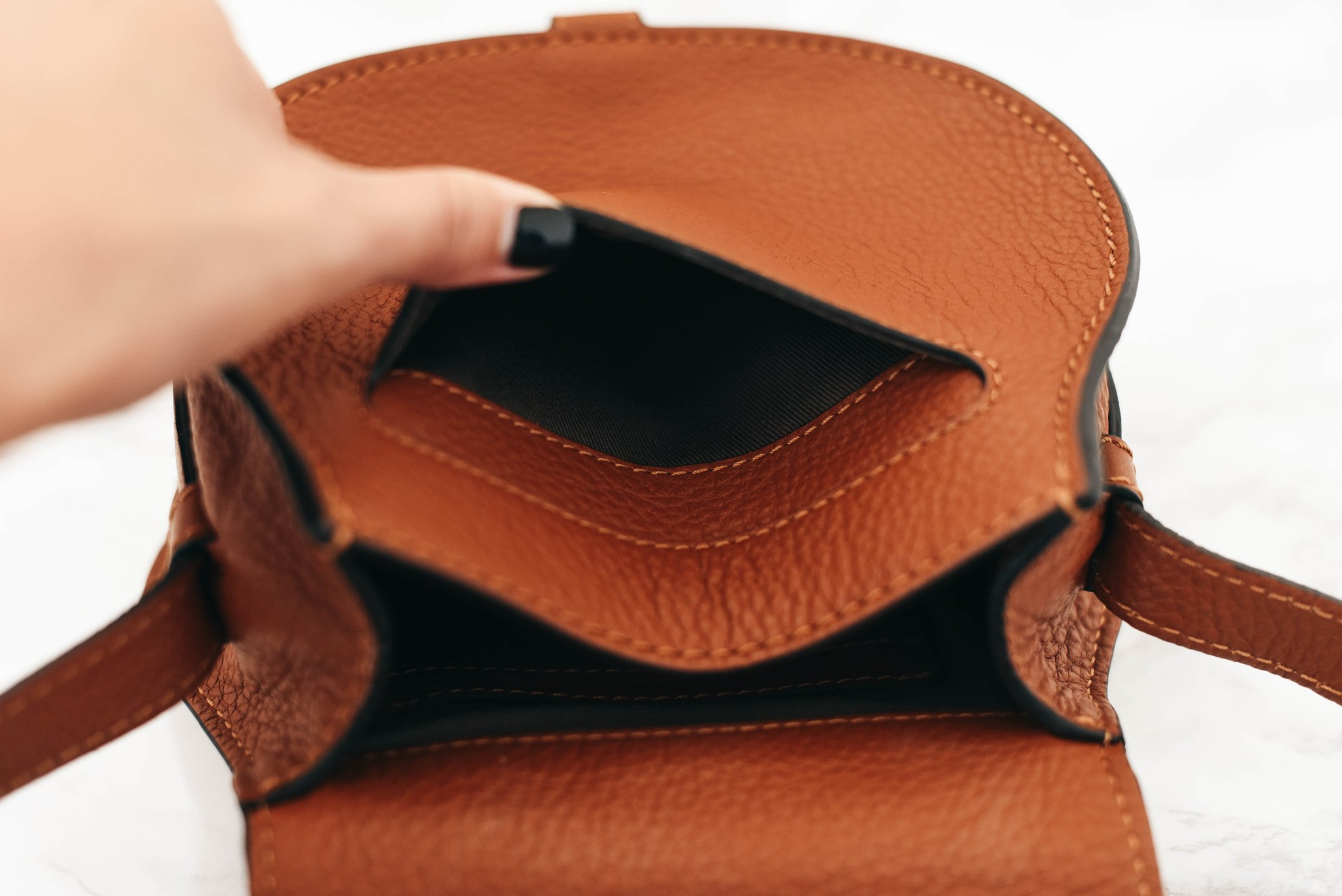 What s in my Bag + Chloé  Small Marcie  Leather Crossbody Bag Review ... f79dcc5f89