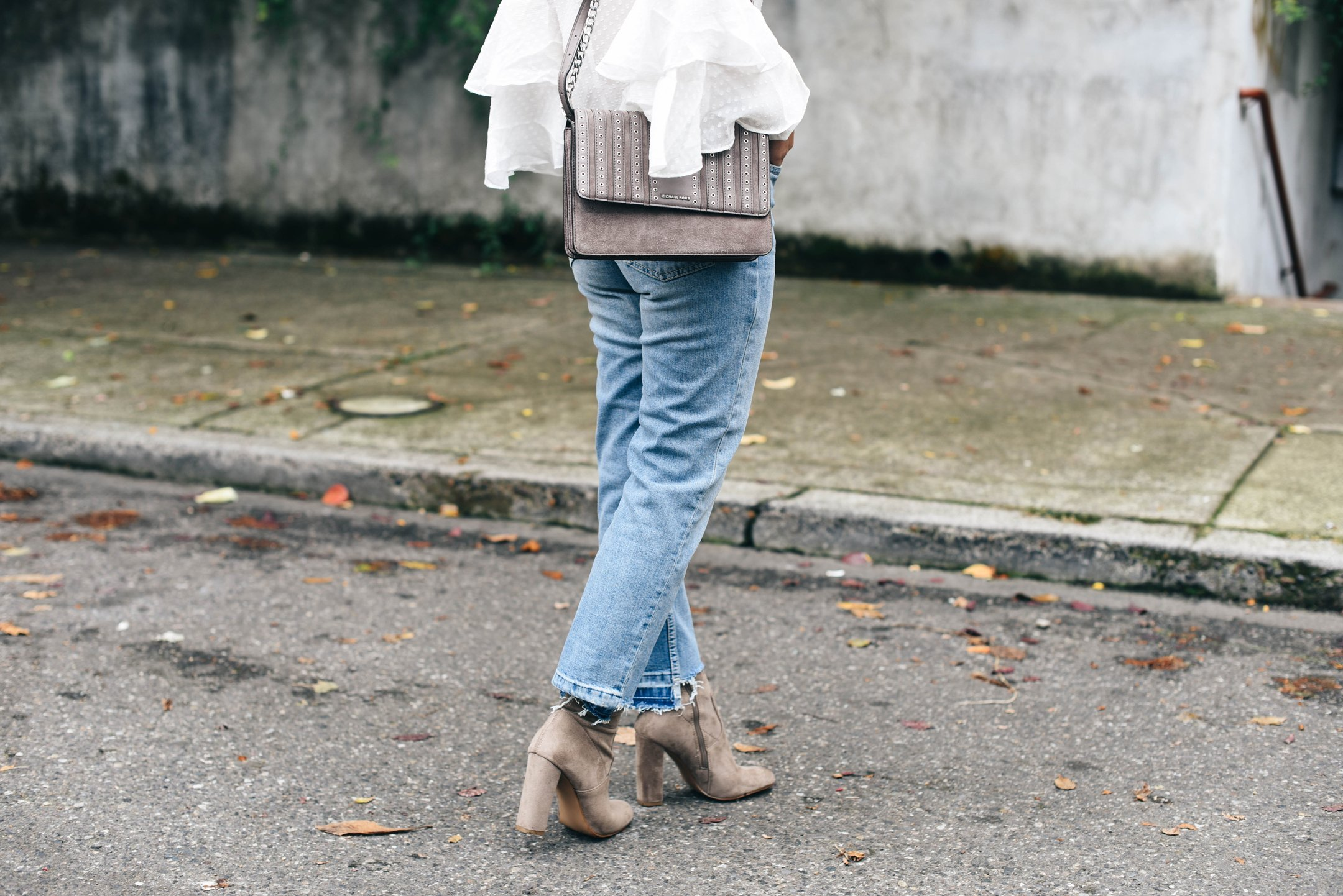 crystalin-marie-wearing-steve-madden-edit-booties-in-taupe