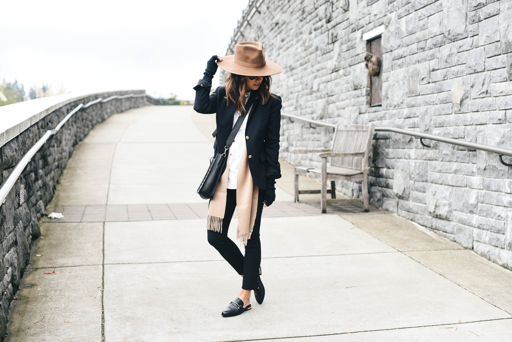 steve-madden-laaura-backless-loafer-black-leather