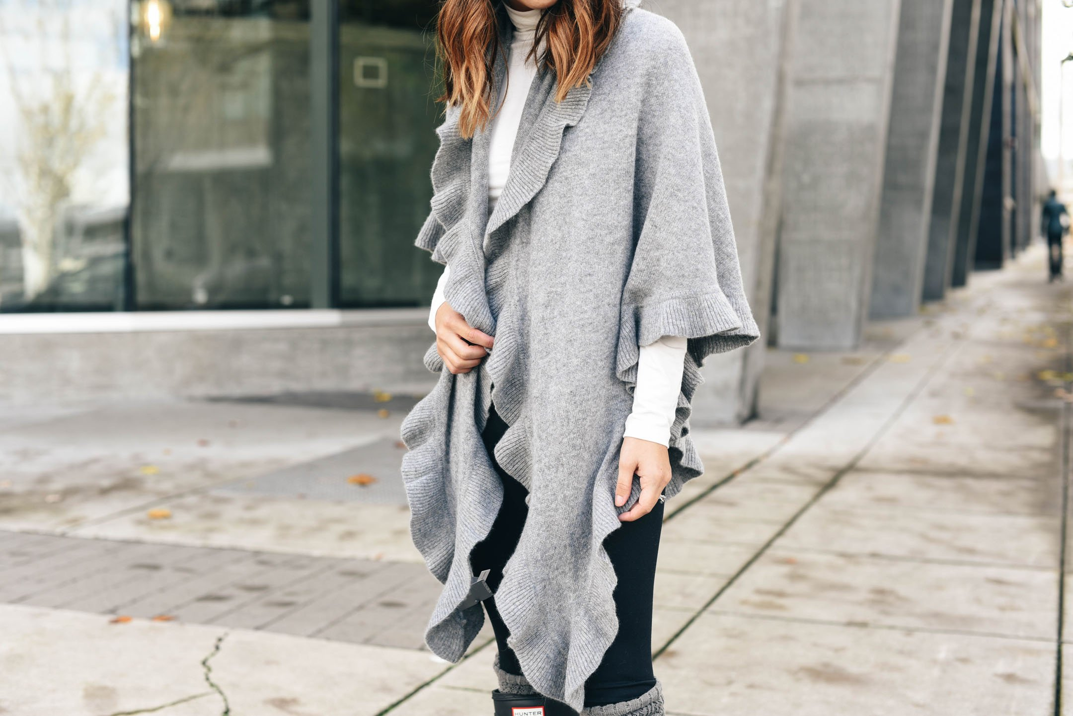 crystalin-marie-wearing-nordstrom-cashmere-ruffle-wrap