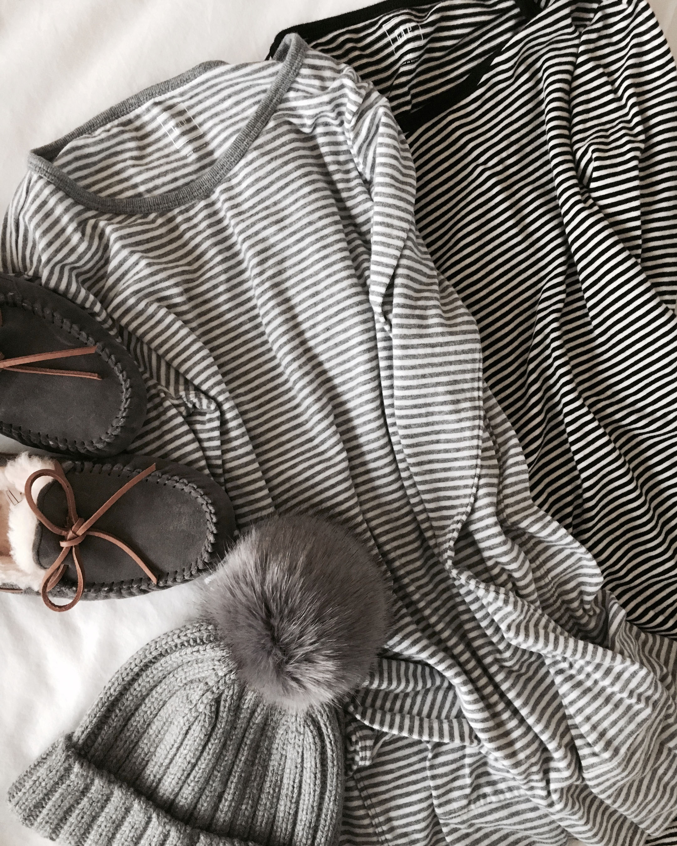 Gap striped long sleeve shirts