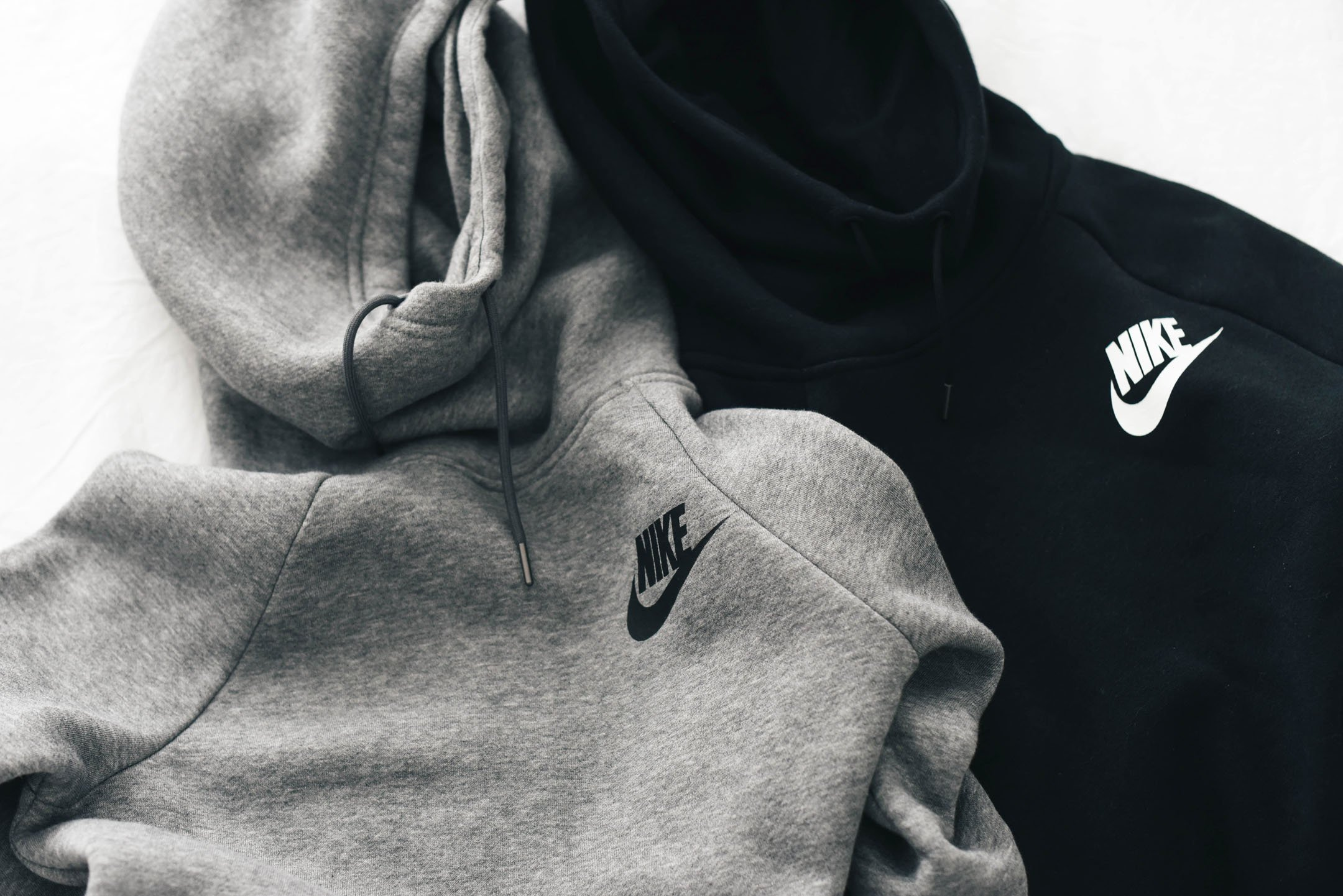 Nike Rally Funnel Neck sweatshirt