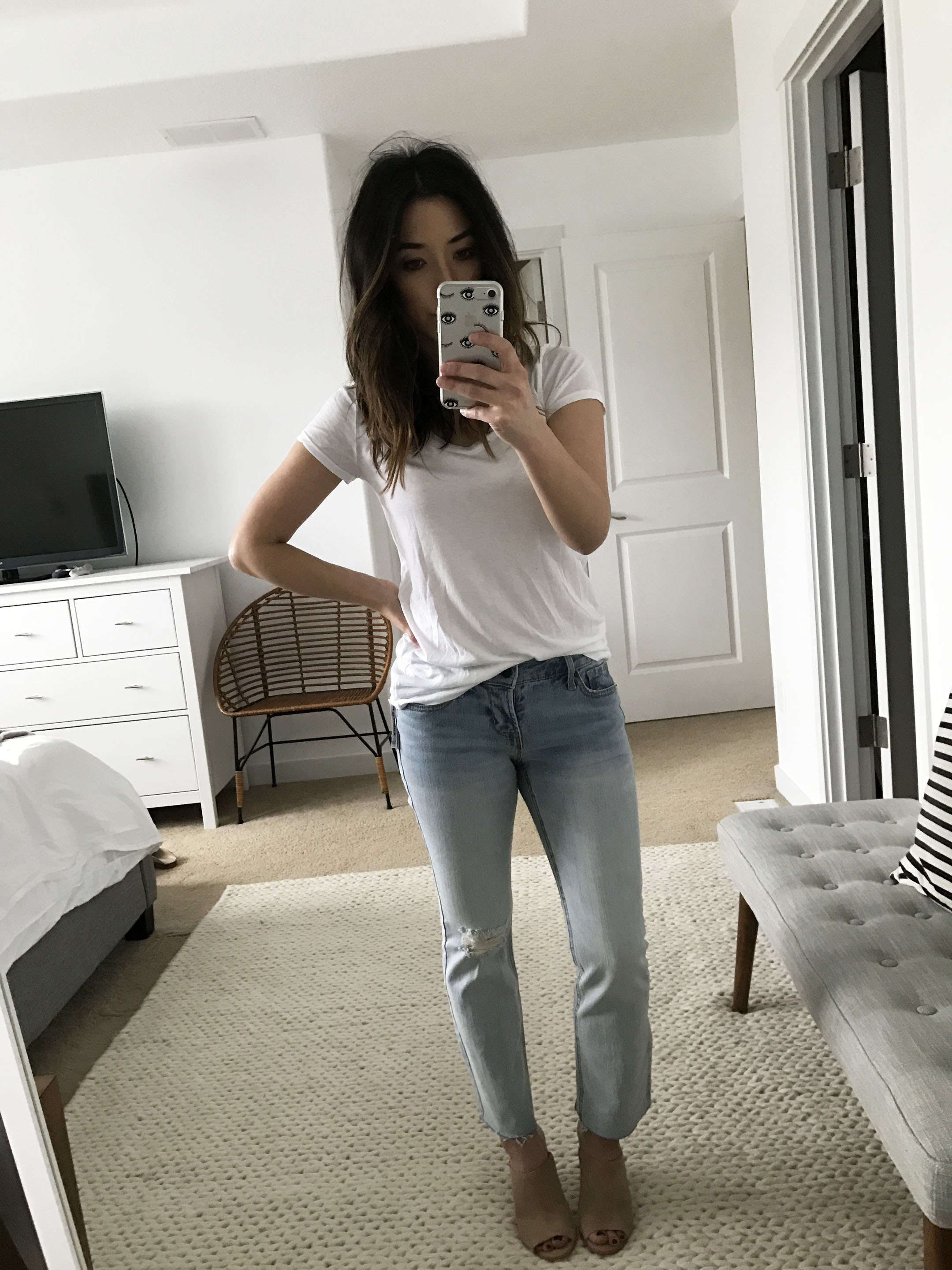 Old Navy light wash cropped flare jeans 7
