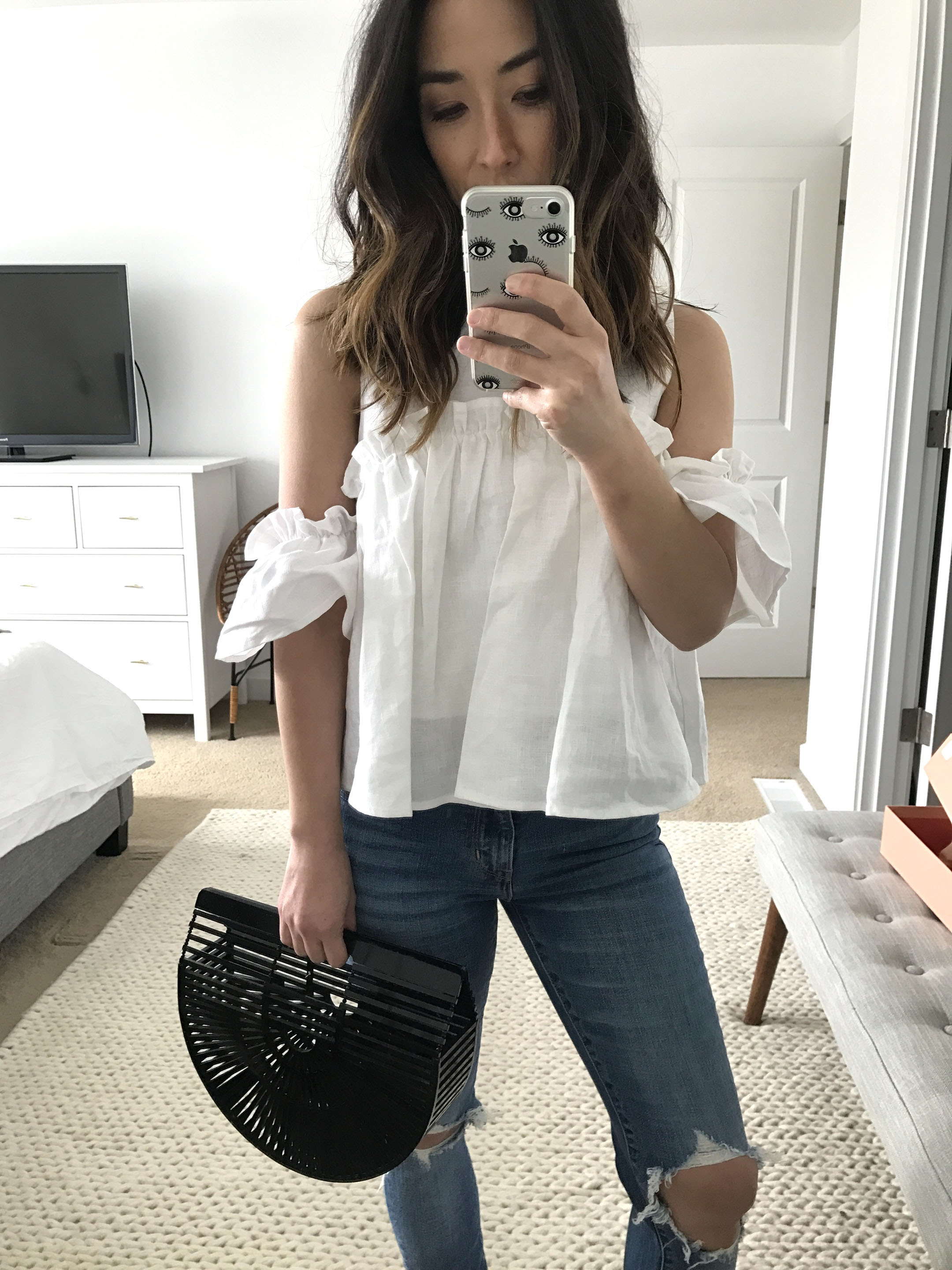 JOA cold shoulder top