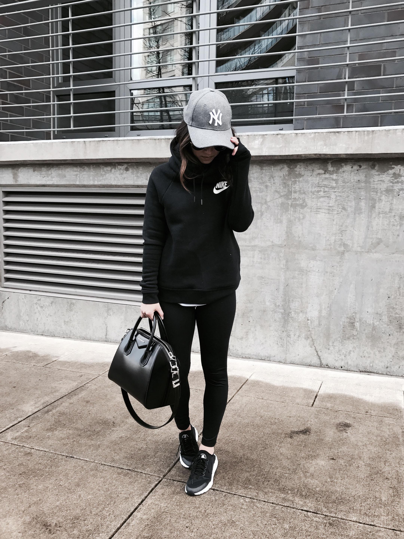 Nike Rally hoodie black
