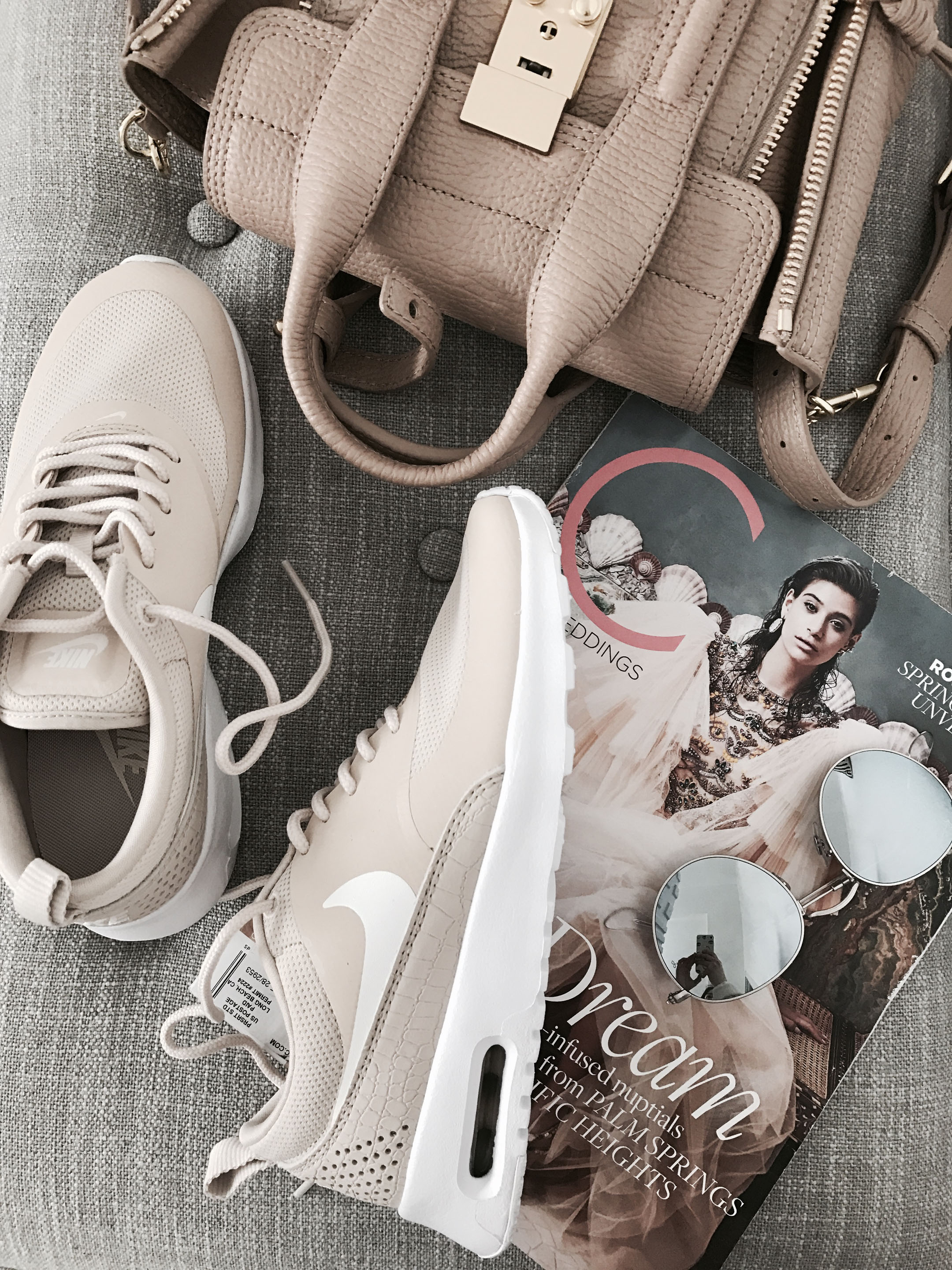 Nike Thea sneakers in oatmeal