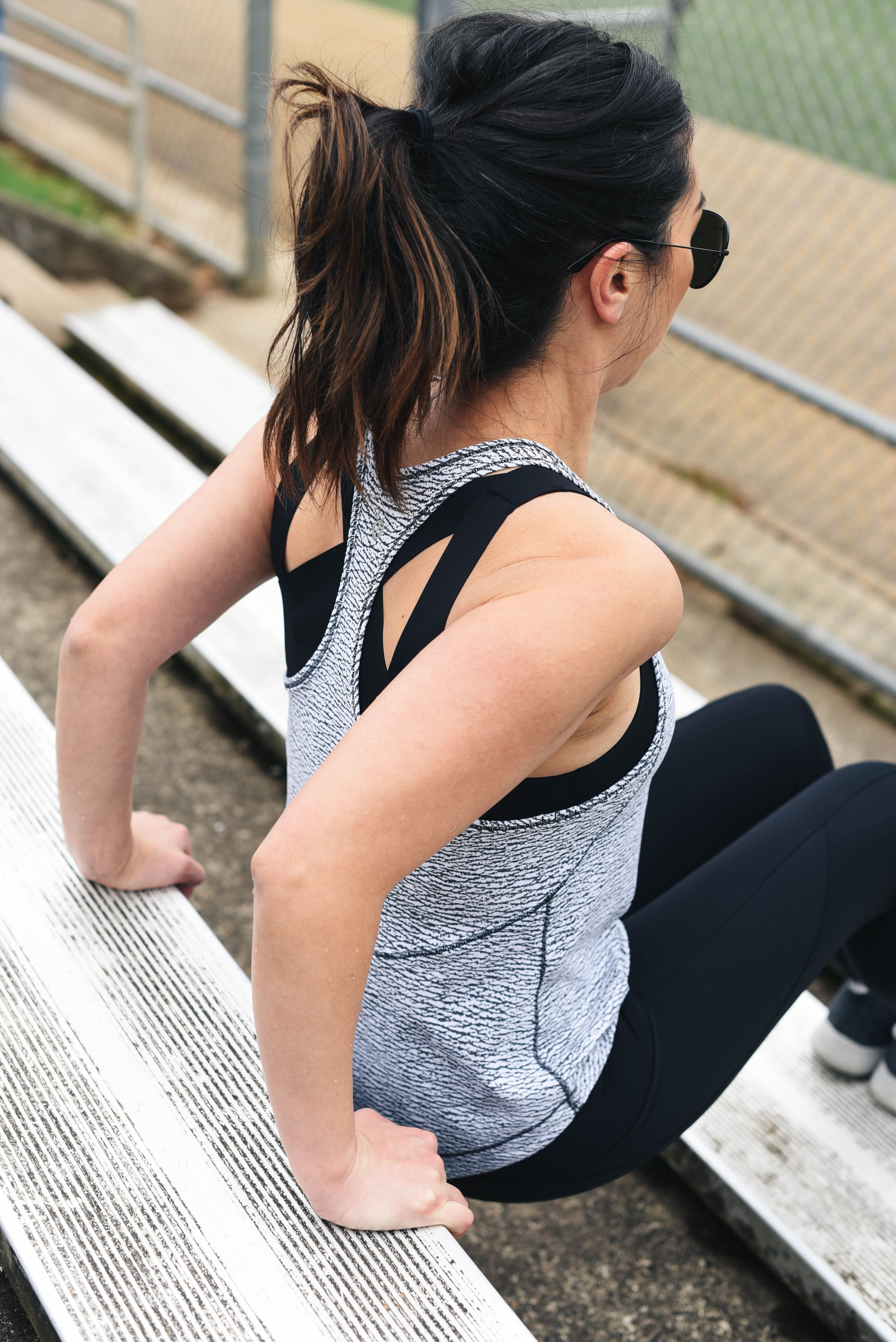 lululemon long distance tank in gray