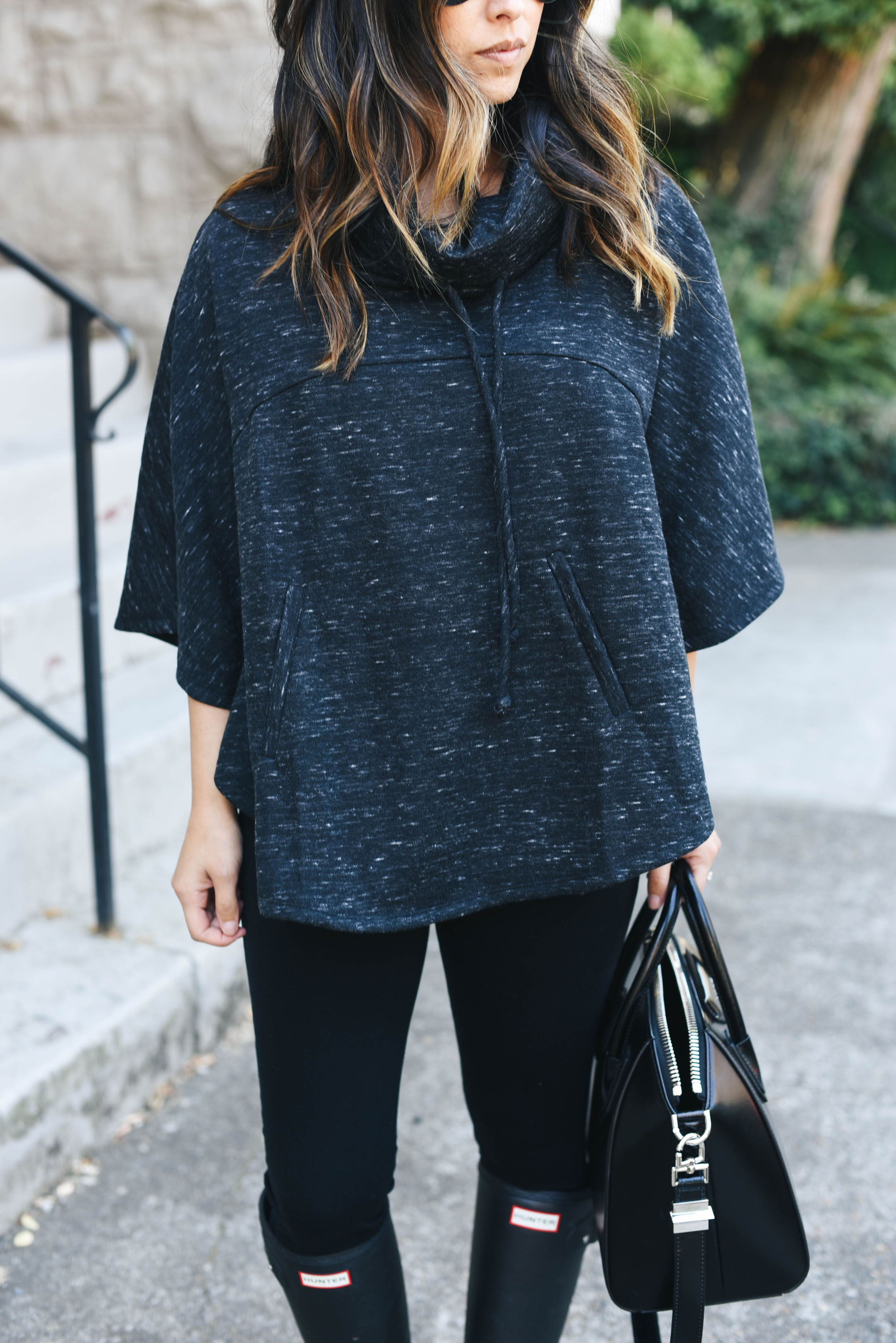 Gibson funnel neck poncho black space dye