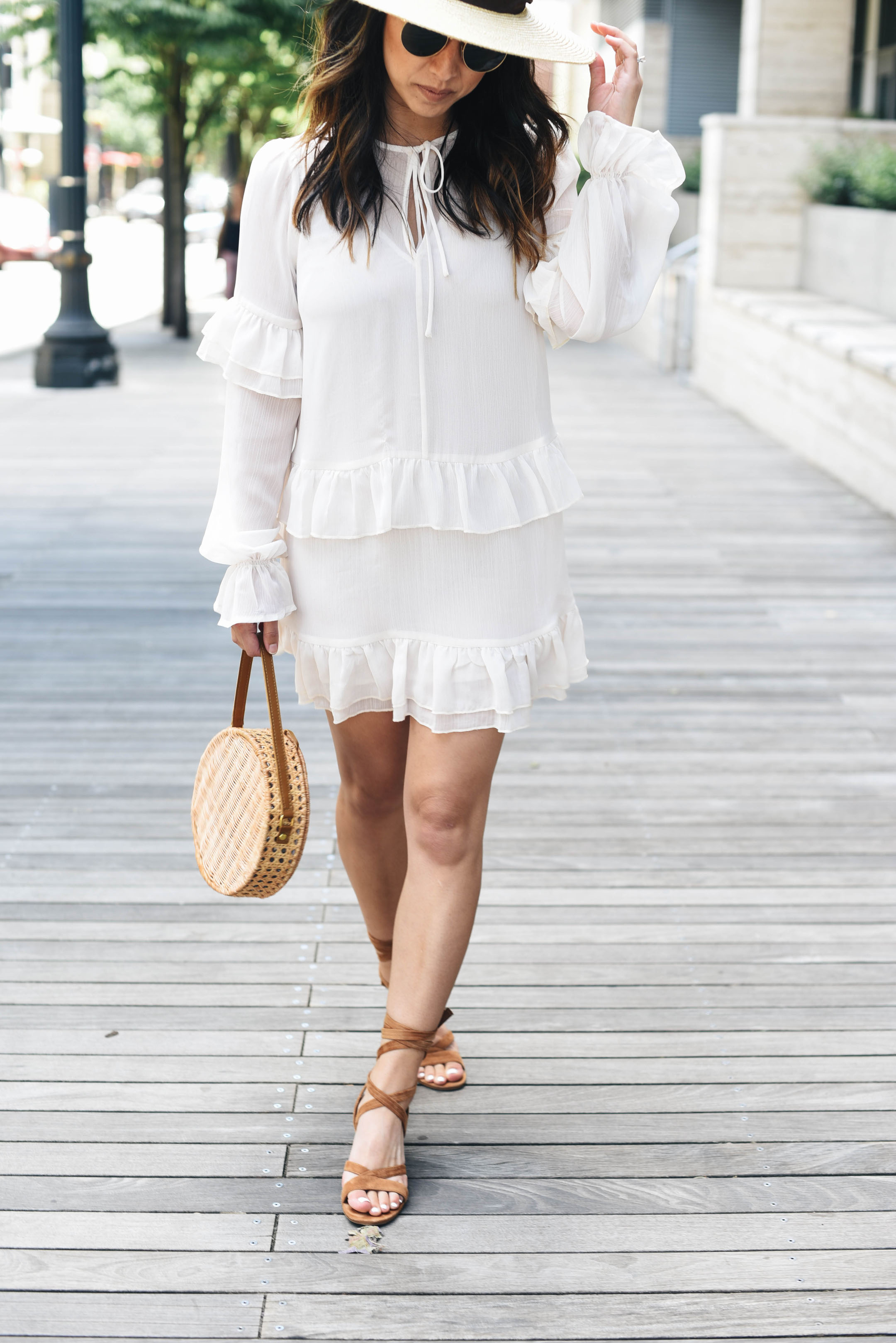 Petite friendly white dresses