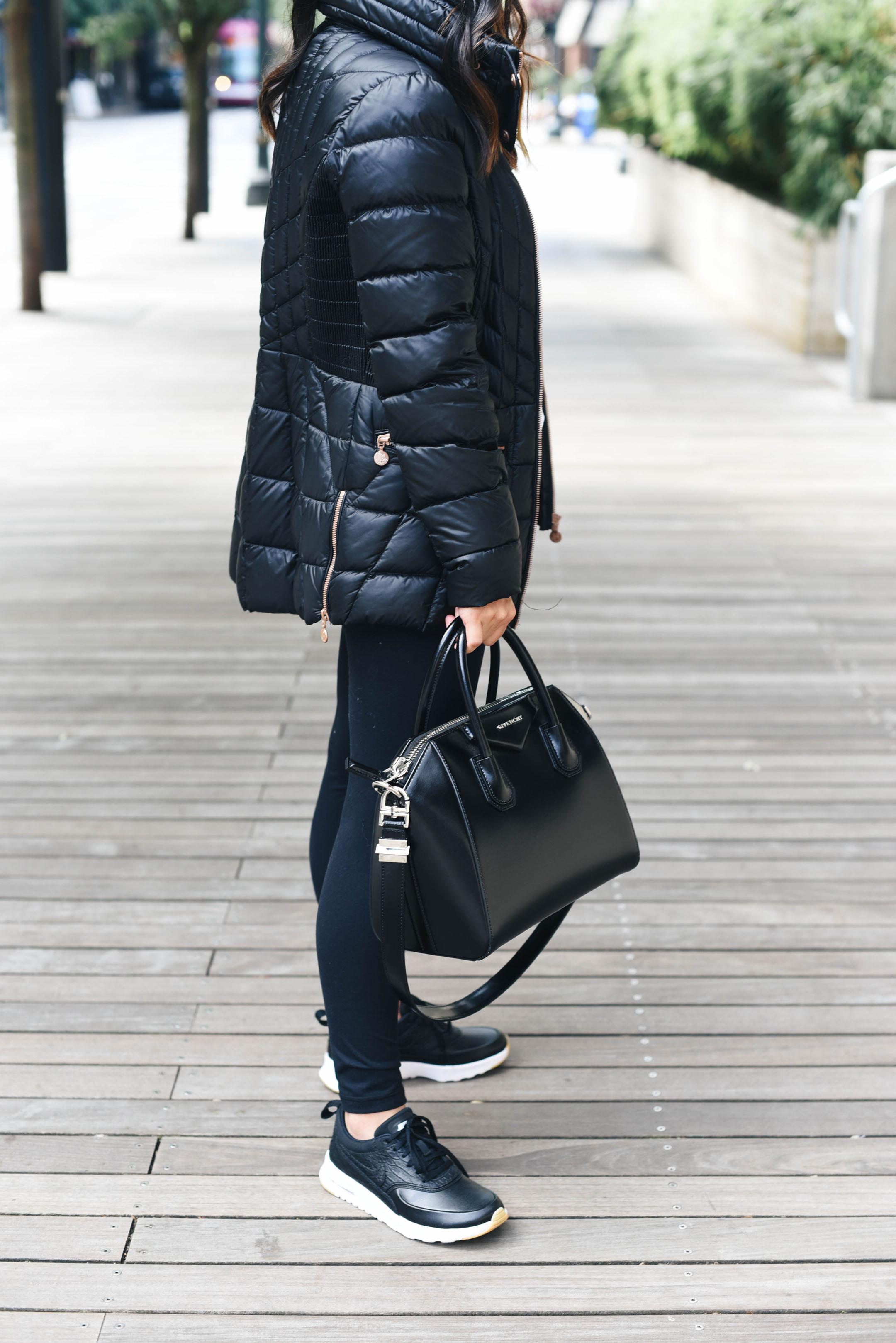 Givenchy small antigona satchel in black