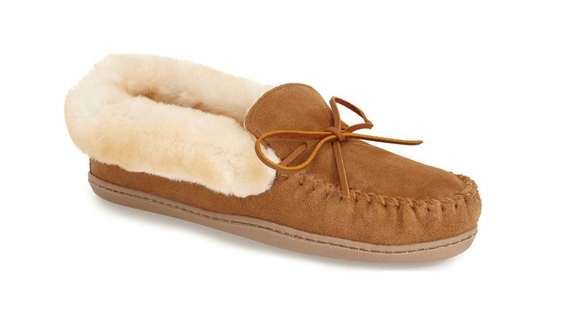 MINNETONKA alpine slippers
