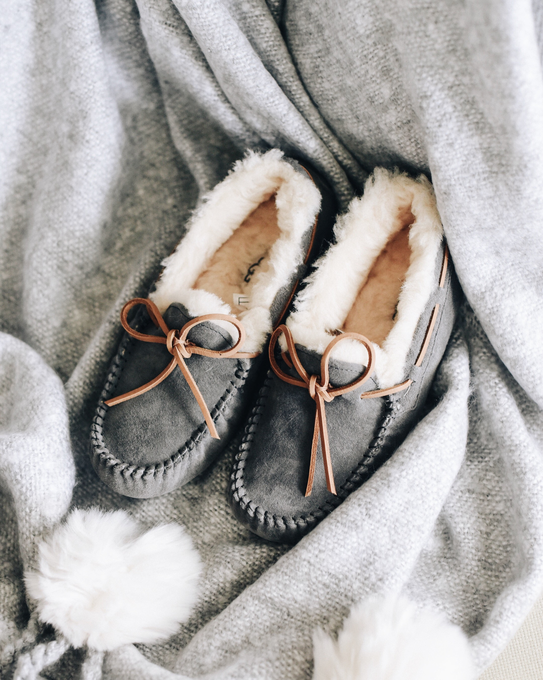 Ugg-Gray-slippers