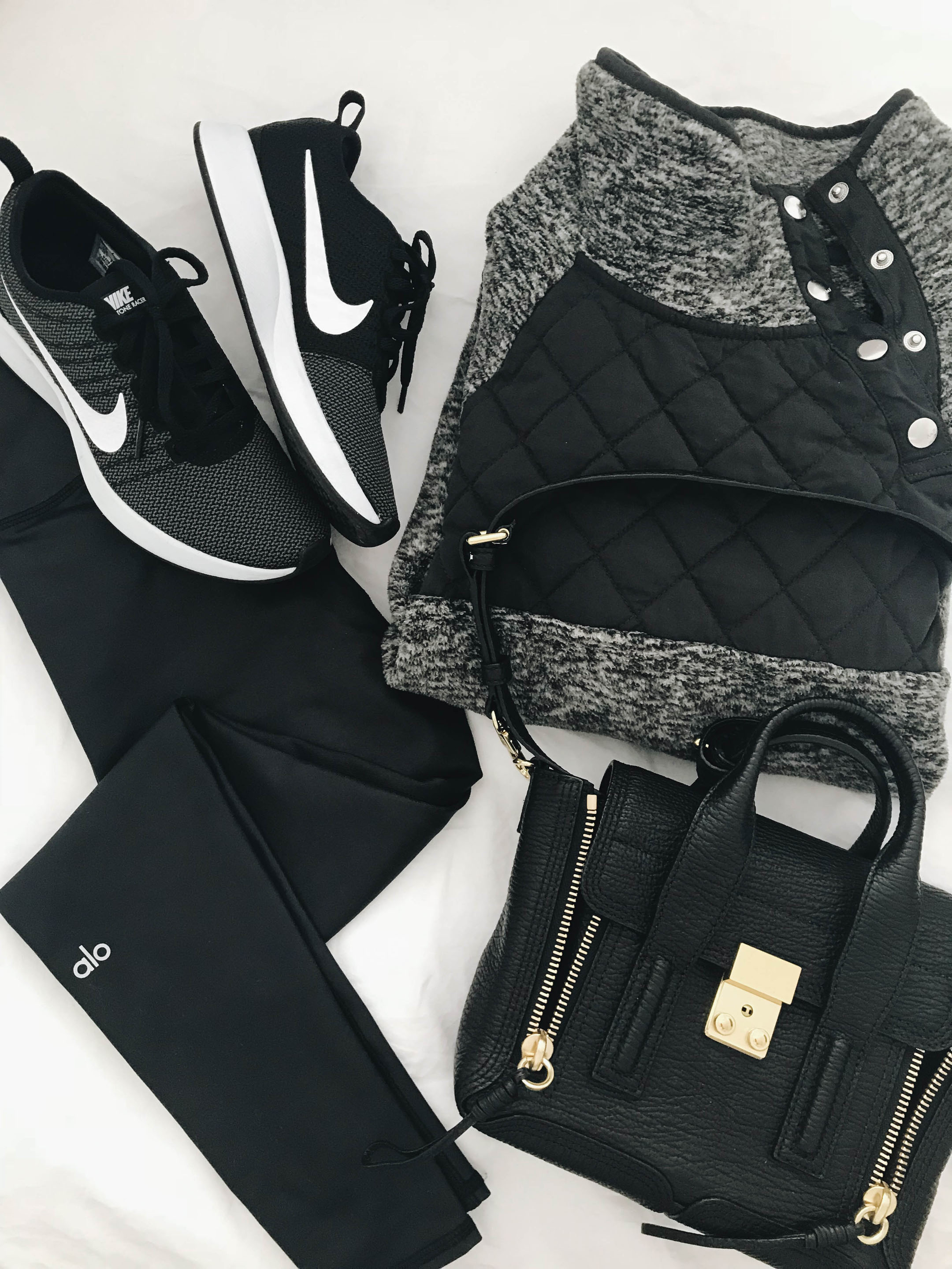 all black athleisure outfit inspiration