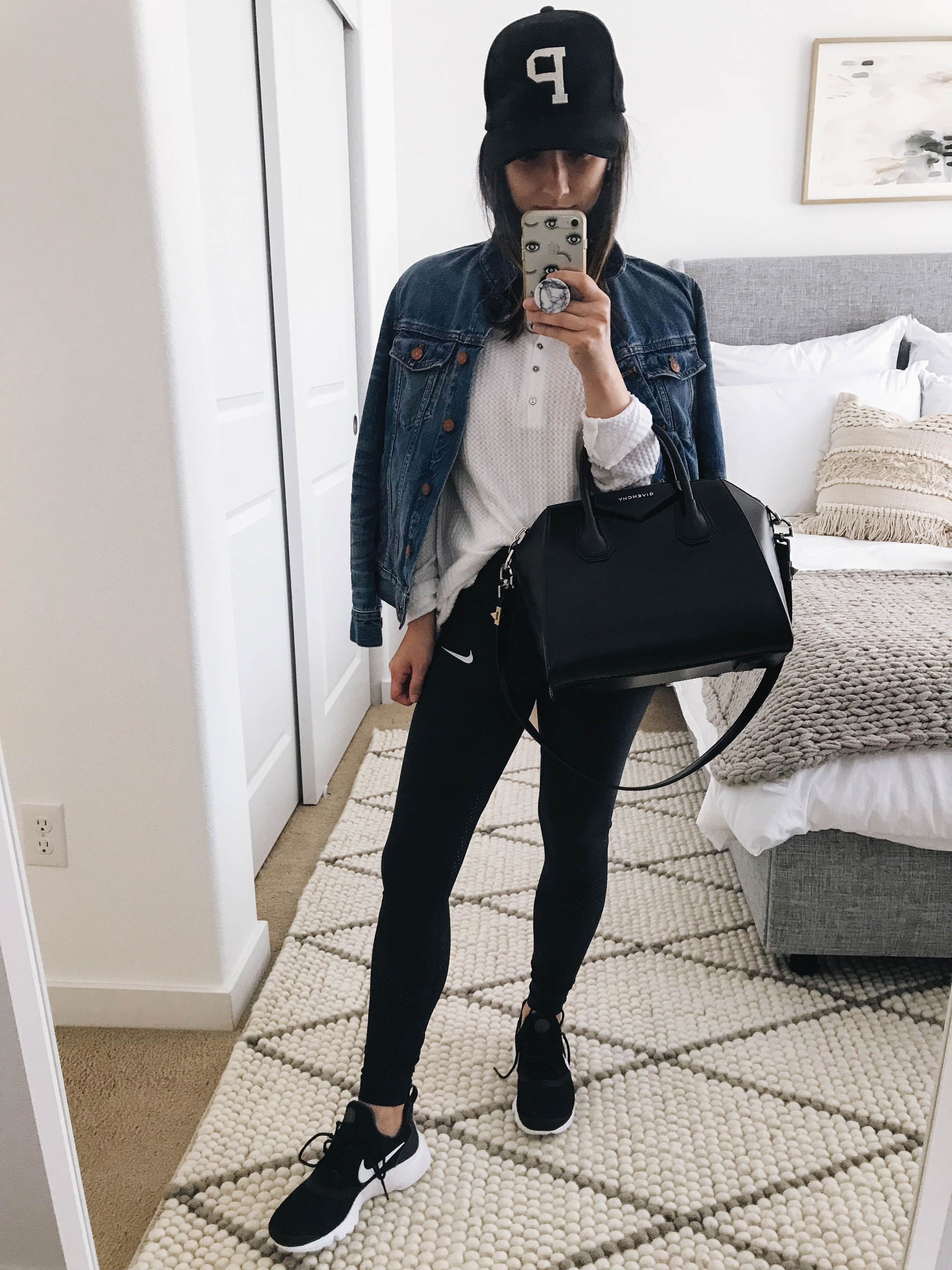 Mom athleisure outfits 2