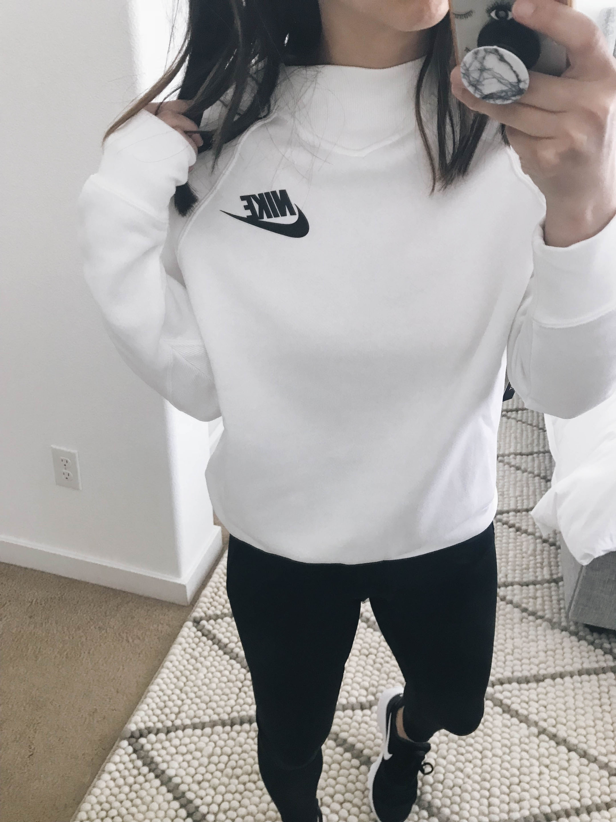 Nike Rally pullover 1
