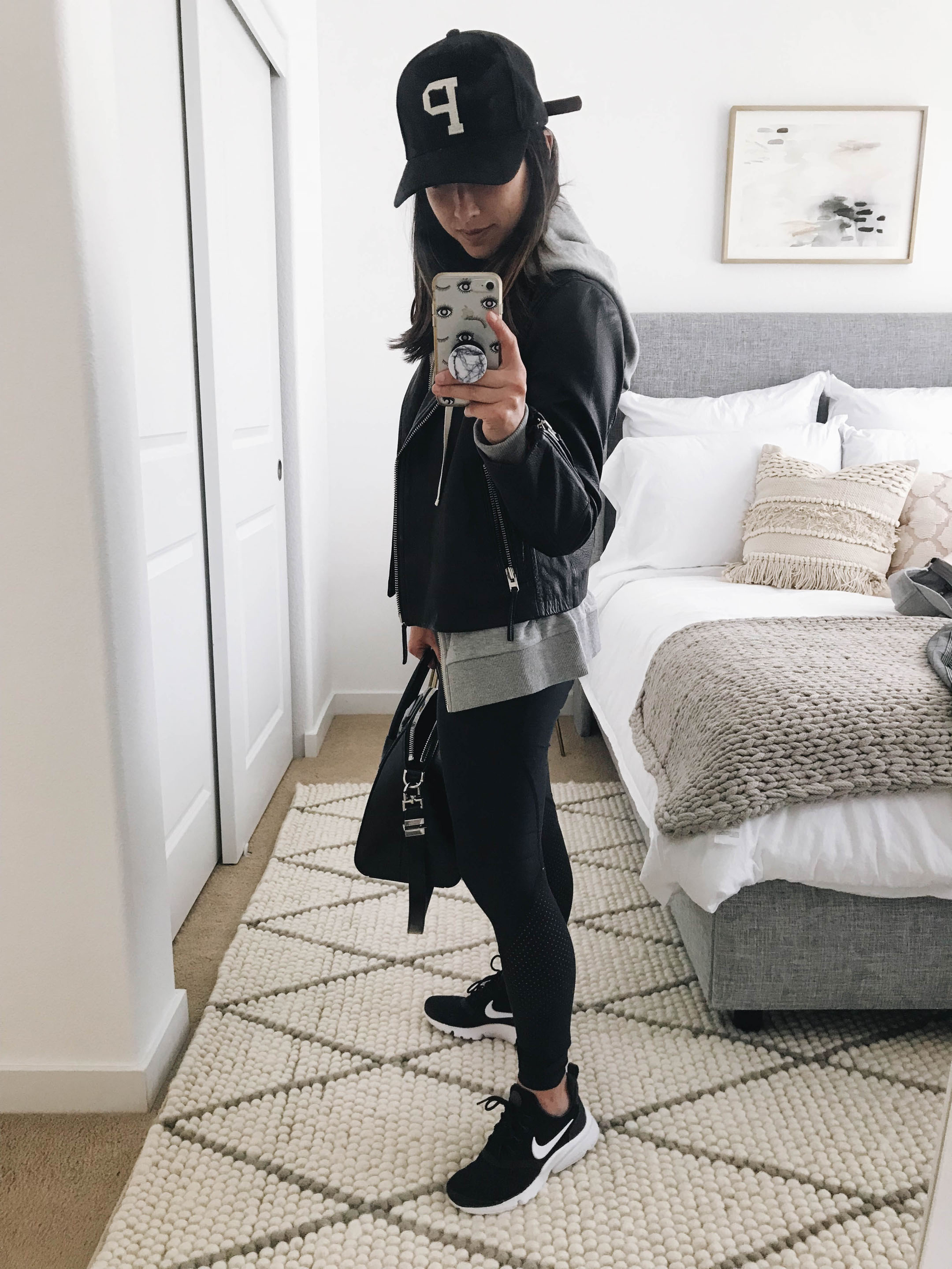 On the Go mom outfit ideas 2