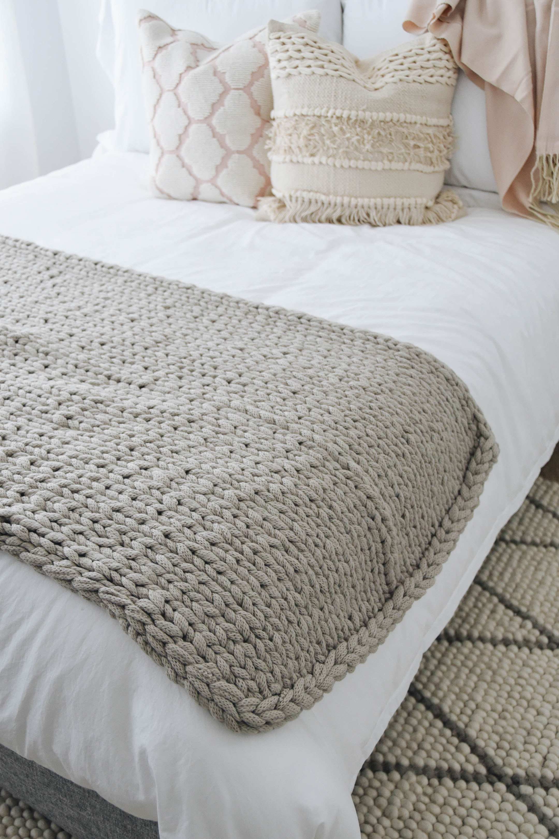 Treasure and Bond knot blanket