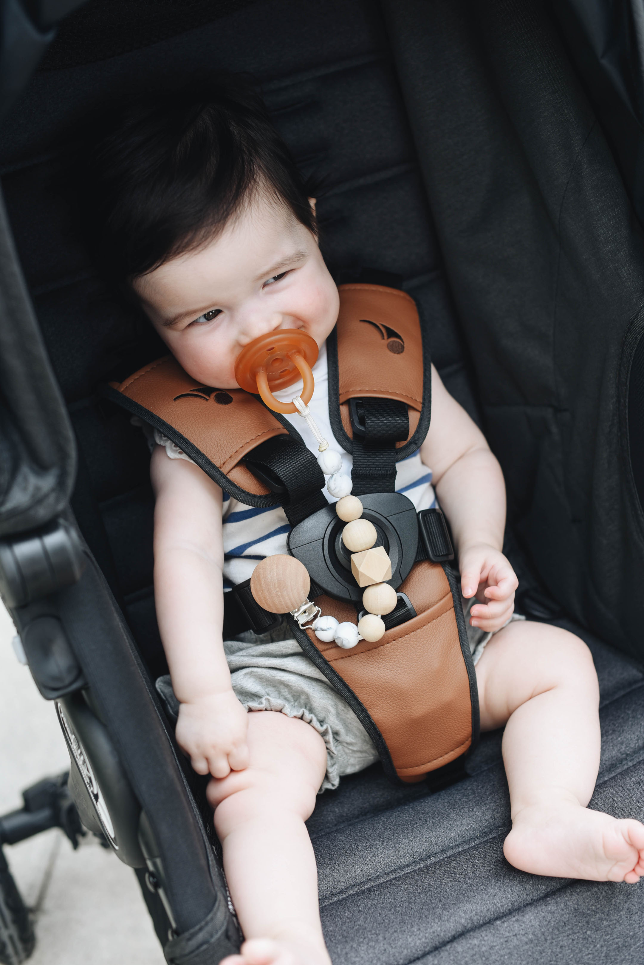 Baby jogger city mini gt leather details