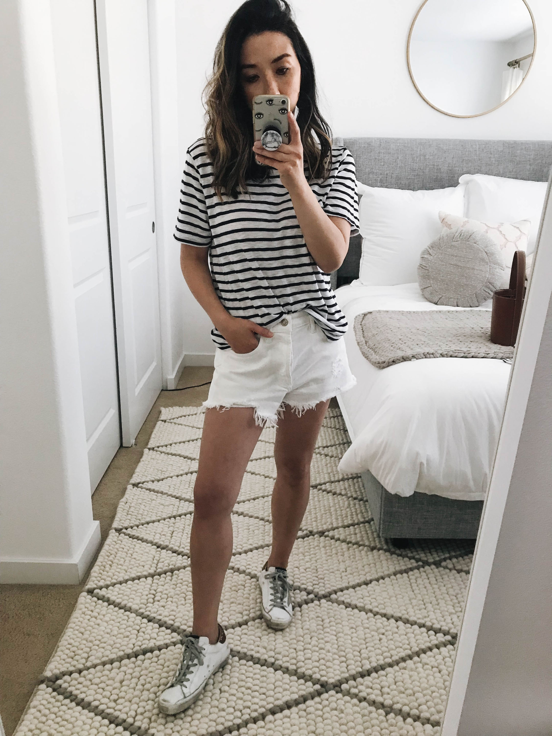 AGOLDE White denim shorts 2