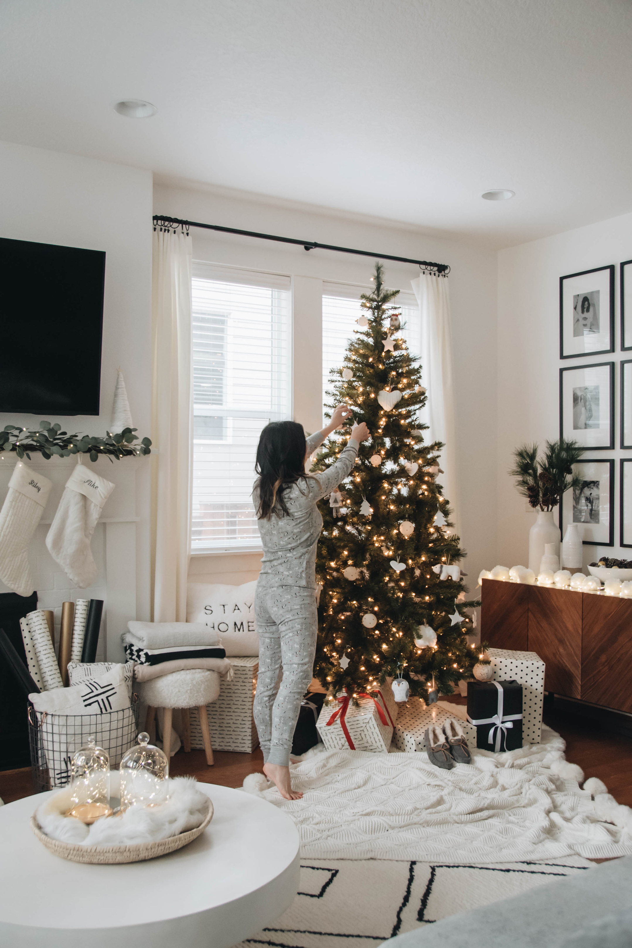 Holiday Decorating with eBay