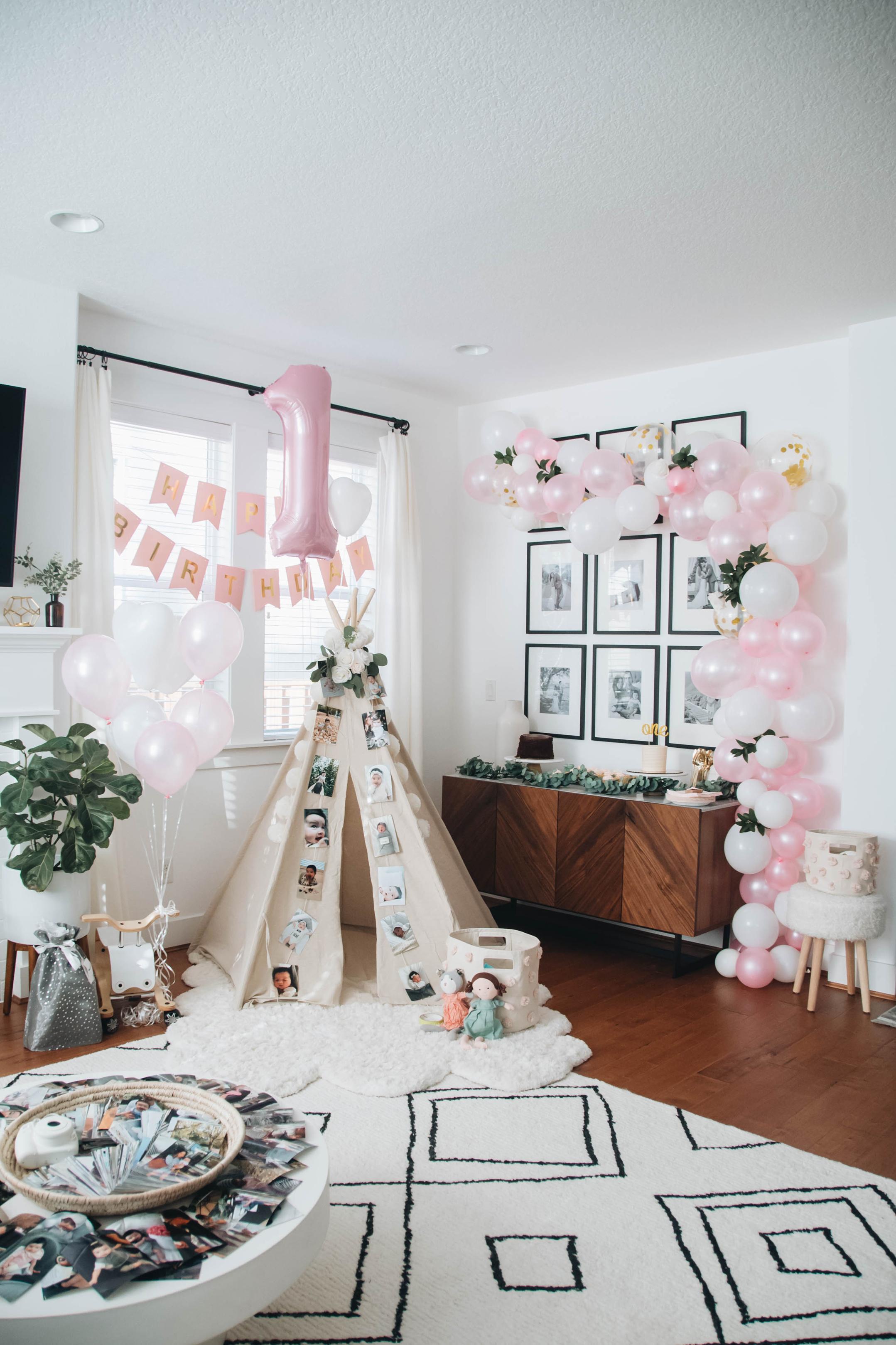 How We Created Harper S 1st Birthday Balloon Garland Crystalin Marie