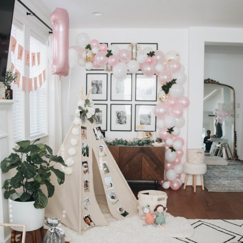 DIY Balloon Garland